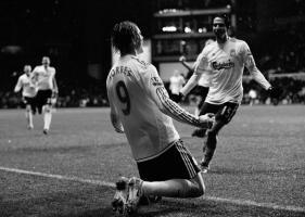 Фотография Фернандо Торреса и футболистов «Ливерпуля»